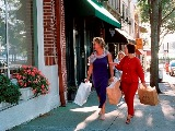 ladies shopping in downtown wilmington NC