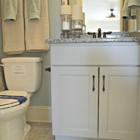 A guest bathroom in the Bitmore